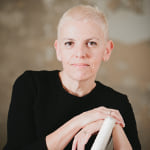 Dr. Anne  Katz